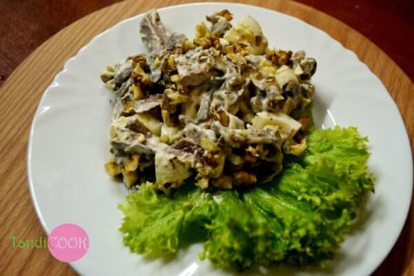 Салат м'ясний з грибами