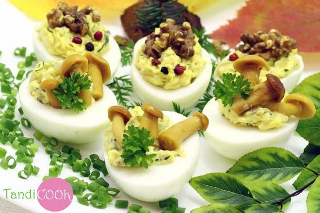 Великодні страви з фотографіями: грибні фаршировані яйця