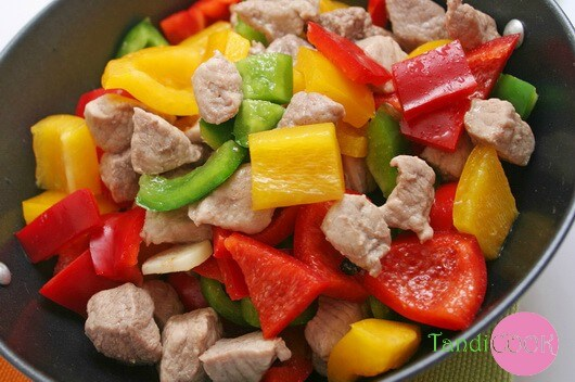 М'ясо з овочами в рукаві