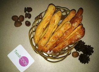 Хлібні палички з цибулею
