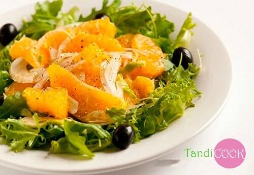 Апельсиновий салат із оливками