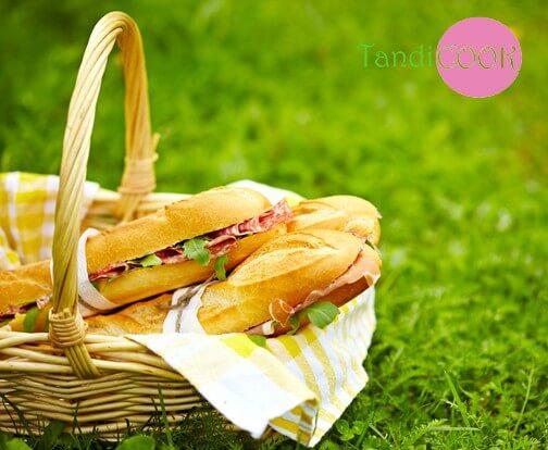 Сендвічі на пікнік на природі