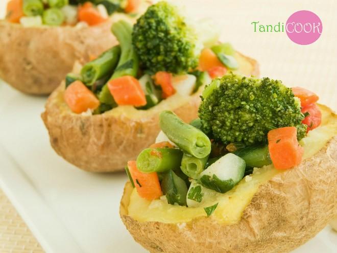 Запечена картопля з овочами в рукаві